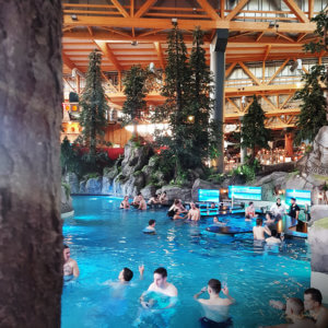 rulantica-waterpark_poolbar